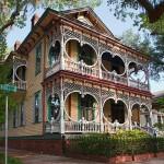 Gingerbread_House_in_Savannah-georgia_usa